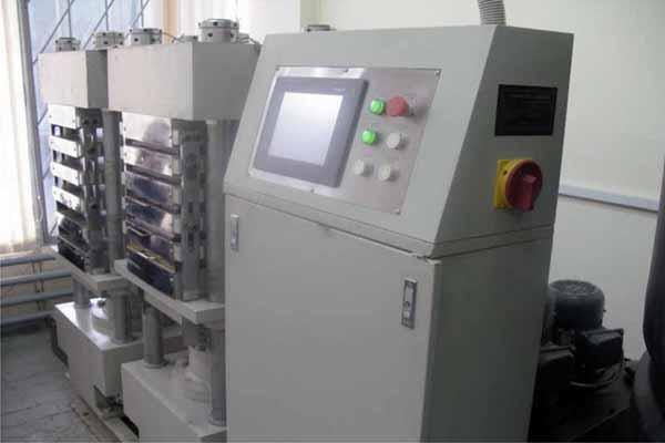 Ламинатор для изготовления пластиковых карт